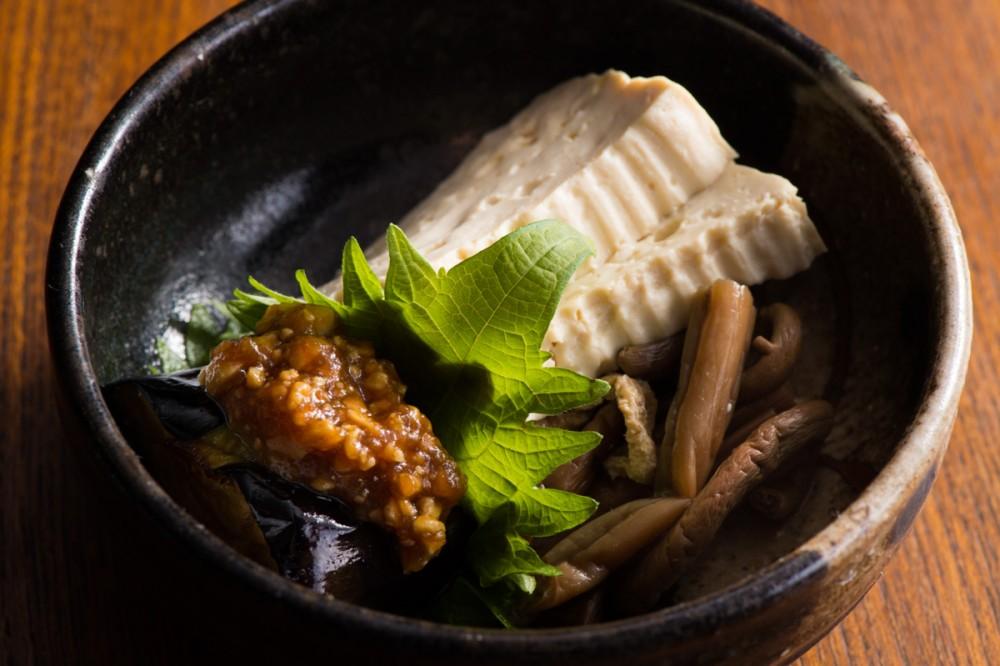 ゼンマイとコモ豆腐の煮物